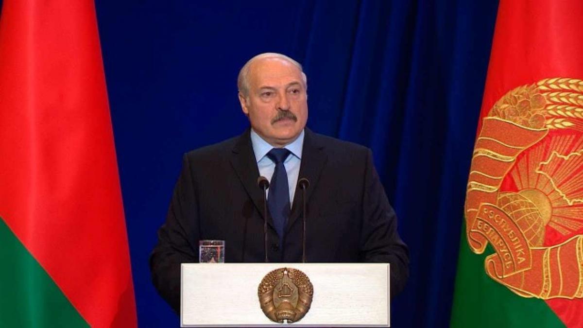 """""""Беларусь ведет войну"""", - Лукашенко призвал дать ответ России и готовиться к обороне отечества"""