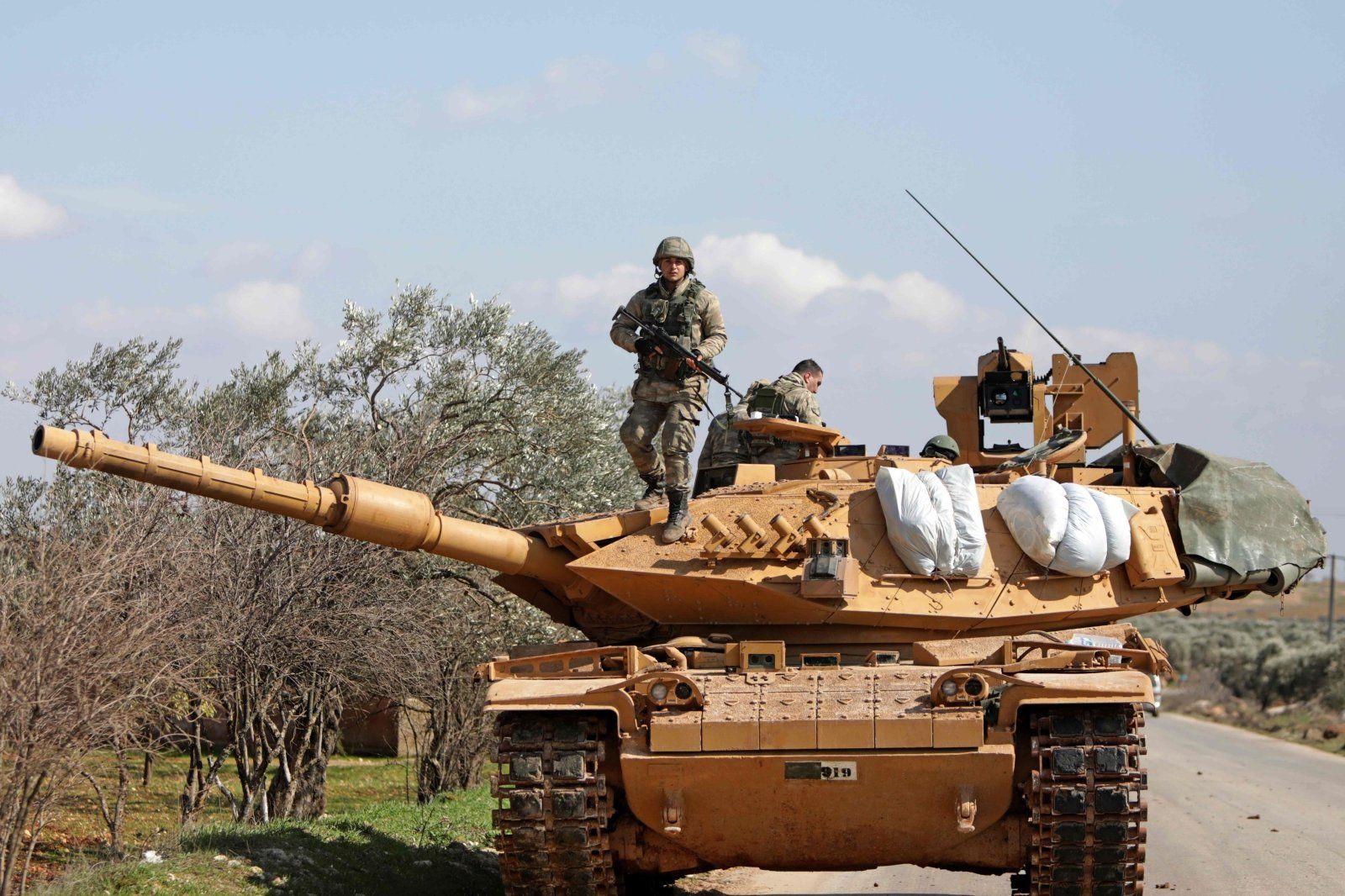 Турция перебрасывает артиллерийские подразделения в Идлиб, готовится крупное наступление – СМИ