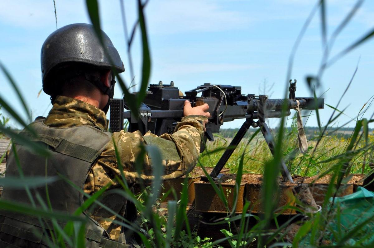 Донбасс в огне: российские наемники ударили из противотанкового ракетного комплекса – ВСУ понесли потери