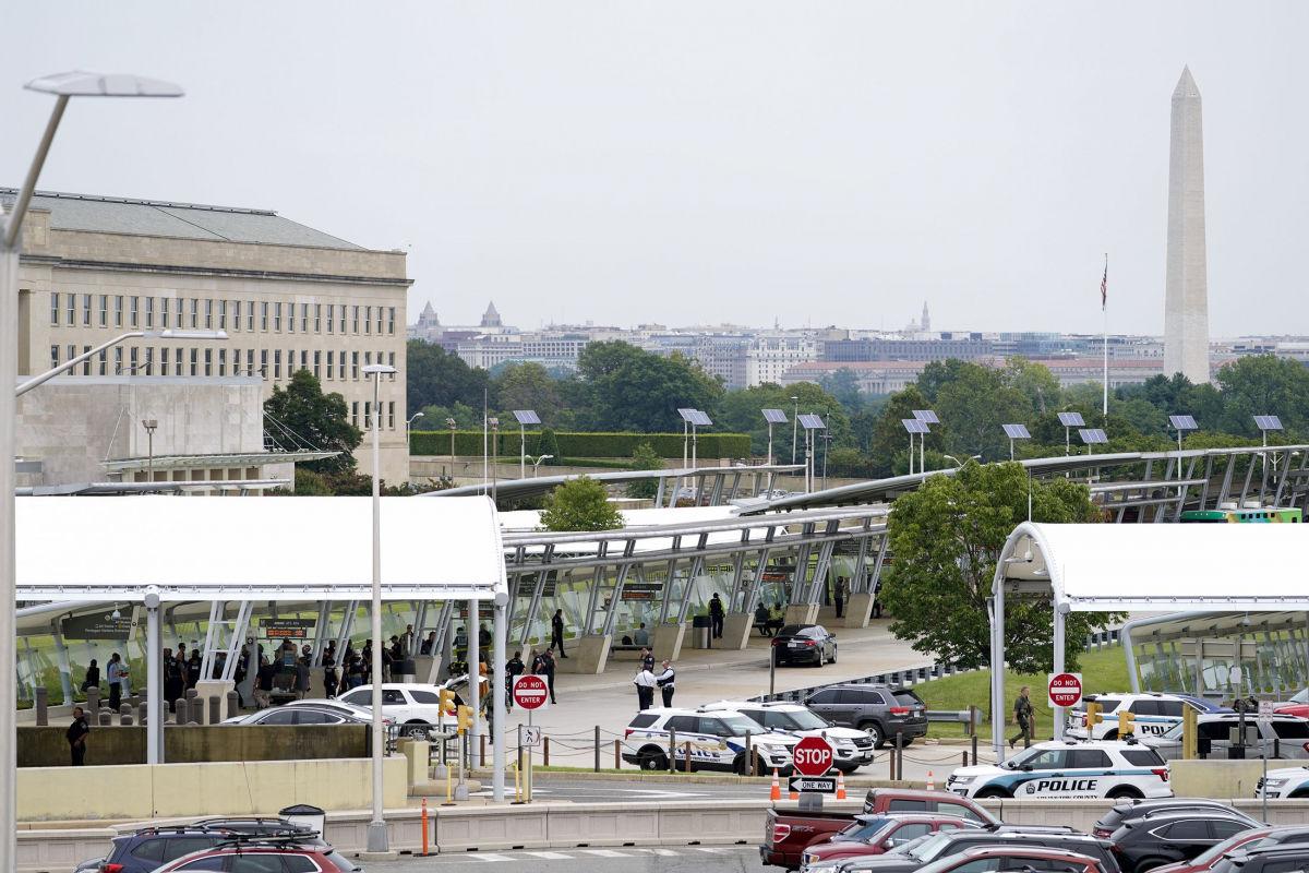 СМИ: возле Пентагона замечена стрельба, есть погибший