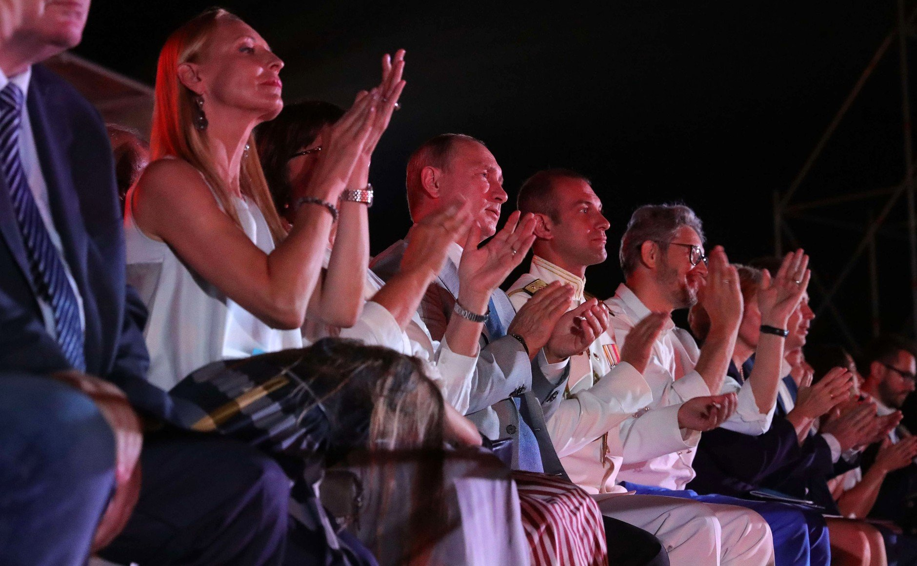 Не холопского ума дело: Аксенова не позвали смотреть балет вместе с Путиным