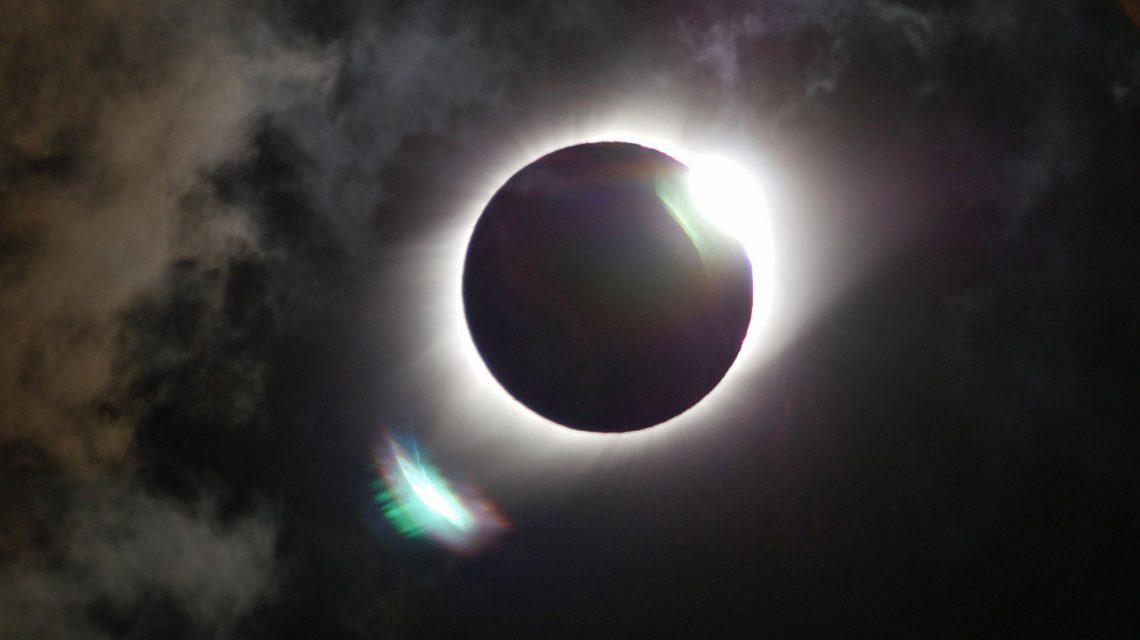 Землянам предстоит пережить самое опасное лунное затмение: это будет день катастроф и вырвавшихся демонов