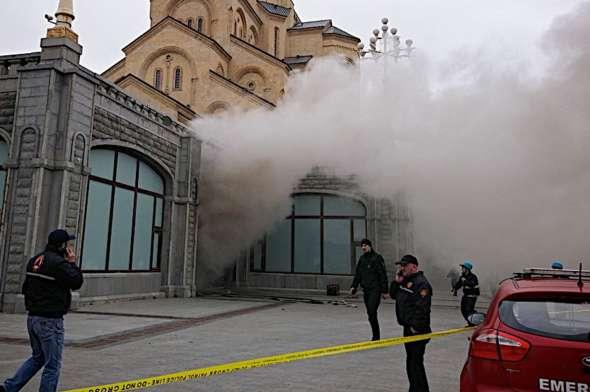 В Грузии произошел пожар в крупнейшем православном храме