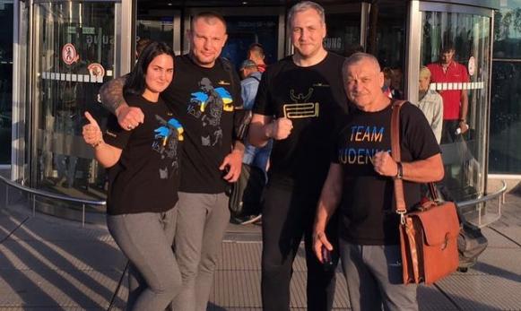 Украина аплодирует боксеру Андрею Руденко, который в Москве наглядно показал: Крым - Украина