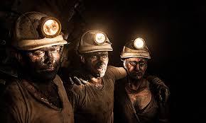 Из-за аварии на шахте в Луганской области 90 горняков не могут выбраться на поверхность