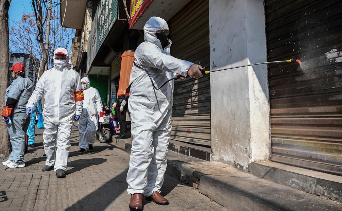 За сутки более 140 погибших: власти Китая сообщили новые данные о коронавирусе