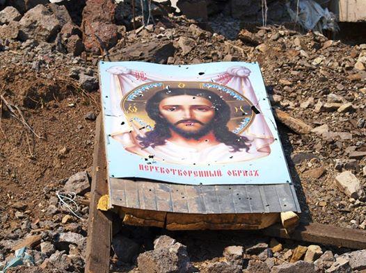 АТЦ: в Донецке люди прячутся об обстрелов в стенах храма