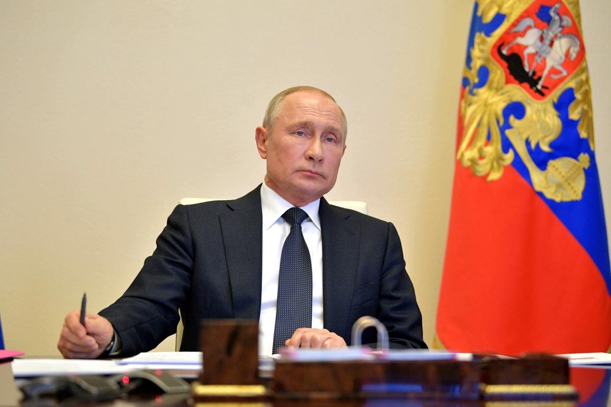 """Путин в обращении к россиянам пригрозил """"естественным отбором, где каждый за себя"""""""