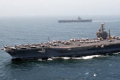 """США, авианосец """"Дуайт Эйзенхауэр"""" , общество, моряки"""