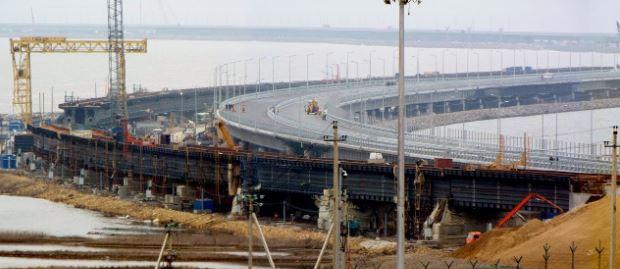 """""""Для Крымского моста наступают самые тяжелые времена. Даже  в """"высоких кабинетах"""" это признали"""", - блогер"""