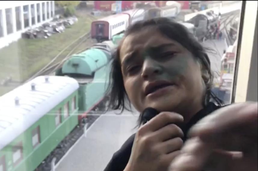 киев, новости, воровки, полицейский, избил, украина, цыгане