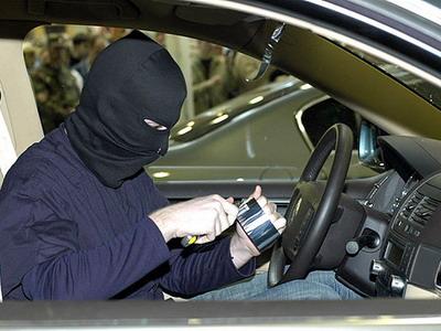 У жителей Донецкой области продолжают незаконно отбирать автомобили