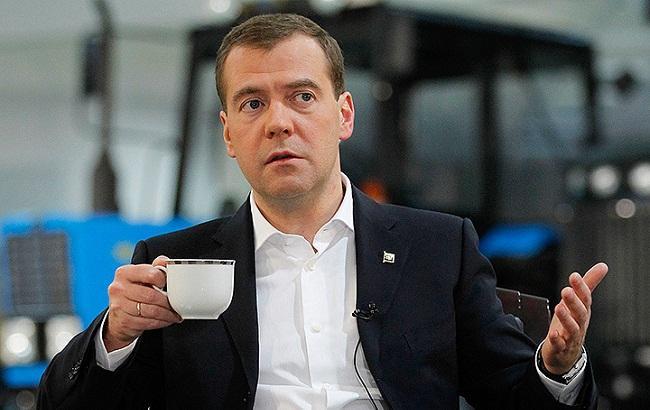 Дмитрий Медведев, скандал, видео, обращение, Святогор Буянин, Бурятия, миллионы, фильм, деньги, Сеть, Интернет, комментарии, мнение, общество