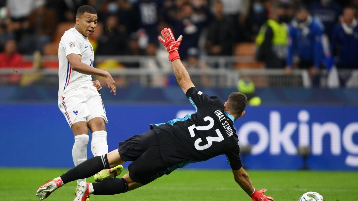 Франция выиграла в Лиге наций благодаря сомнительному голу: эксперты спорят до сих пор