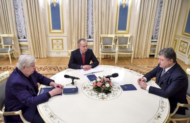 Официально: Порошенко подписал указ об увольнении Шокина
