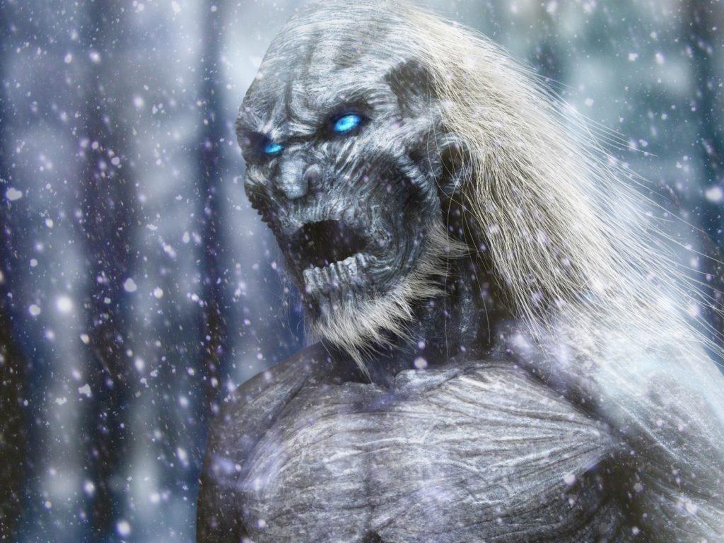 В Архангельской области очевидец снял на видео странное существо, напоминающее йети, – кадры