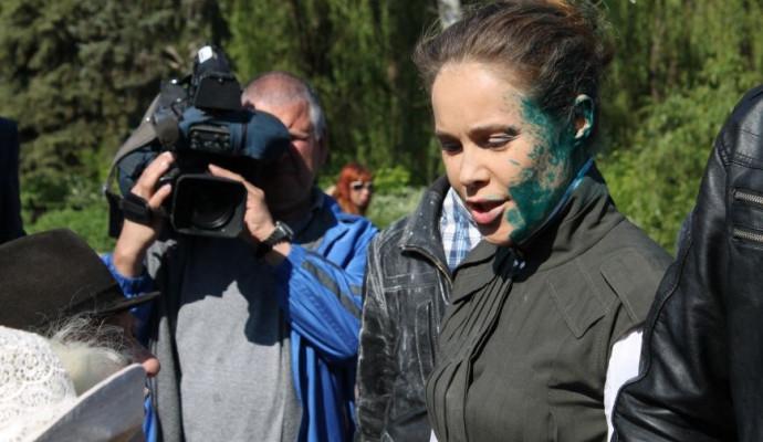 """""""Распивает вискарь по киевским ресторанам и видит, как сова ночью"""", - украинский журналист жестко прошелся по Королевской, которая должна была находиться на лечении, - кадры"""