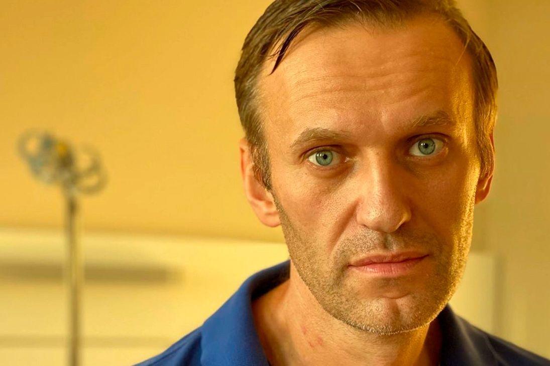 У Навального вслед за ногами начали отказывать руки в российской колонии - состояние резко ухудшилось