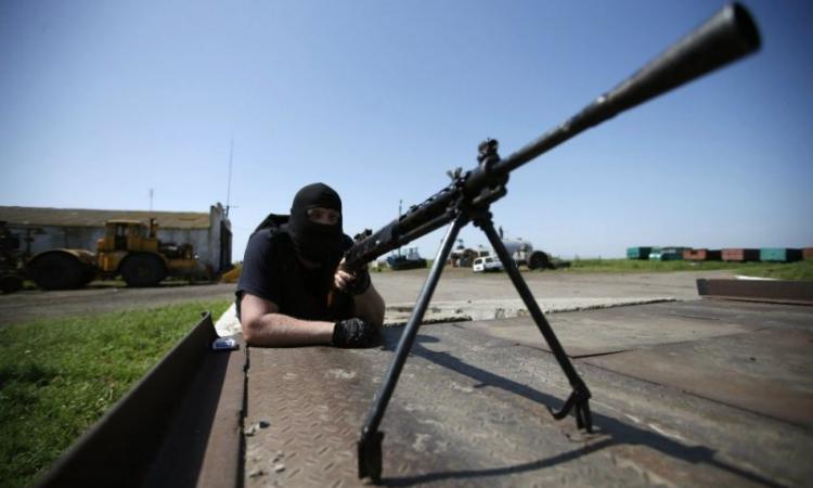 В центре Донецка периодически раздаются автоматные очереди