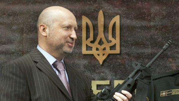 Янукович и его окружение теперь будут финансировать армию Украины: на конфискованные деньги мы запустим мощнейшую программу по закупке техники и производству боеприпасов, - Турчинов