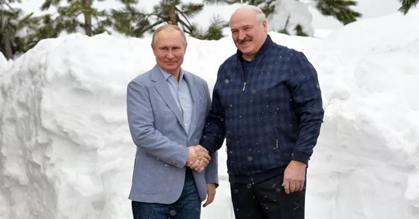 Лукашенко выступил против НАТО и просит Путина прислать в Беларусь боевую авиацию