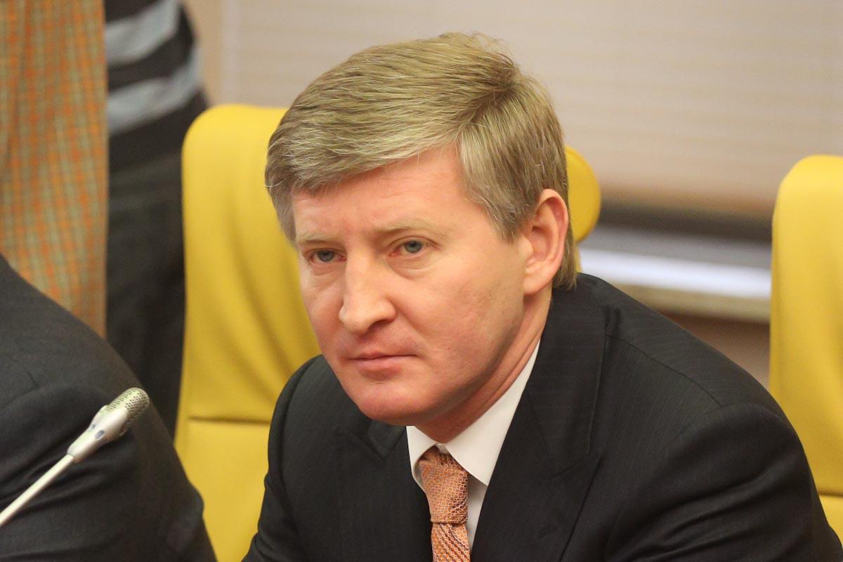 Forbes: Самый богатый украинец Ринат Ахметов за год растерял половину состояния