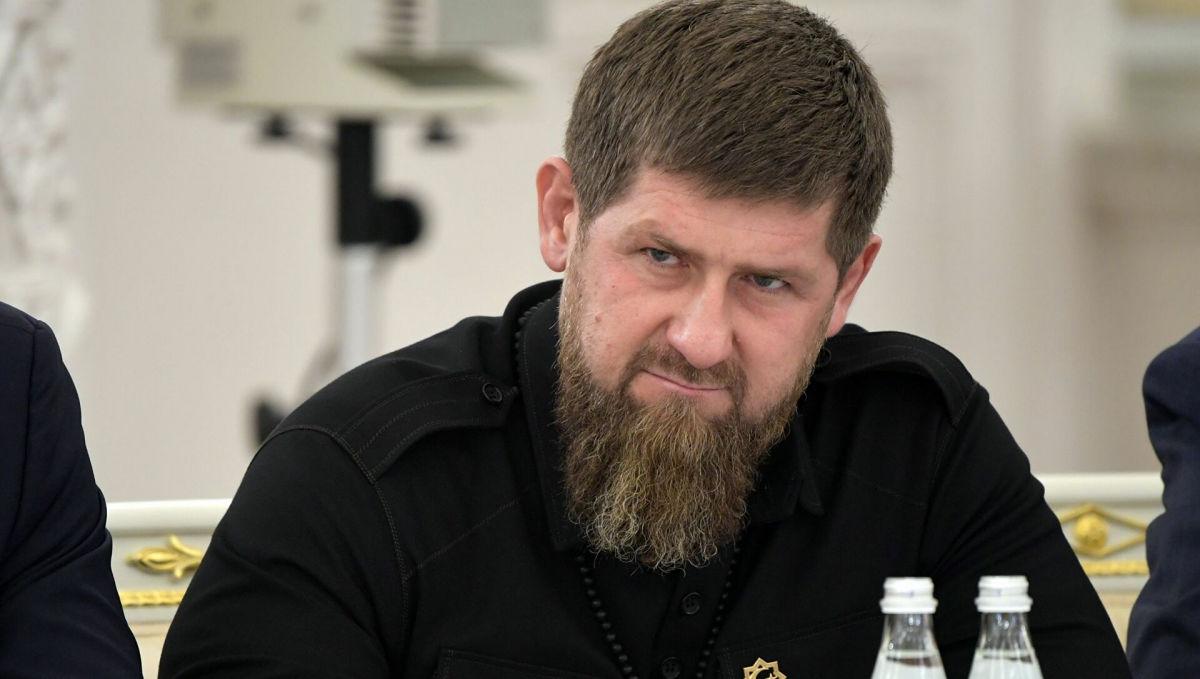 """Кадыров """"взорвался"""" от критики Закаева и отыгрался на его сыновьях: """"Я вашего отца выкинул и отобрал Чечню"""""""
