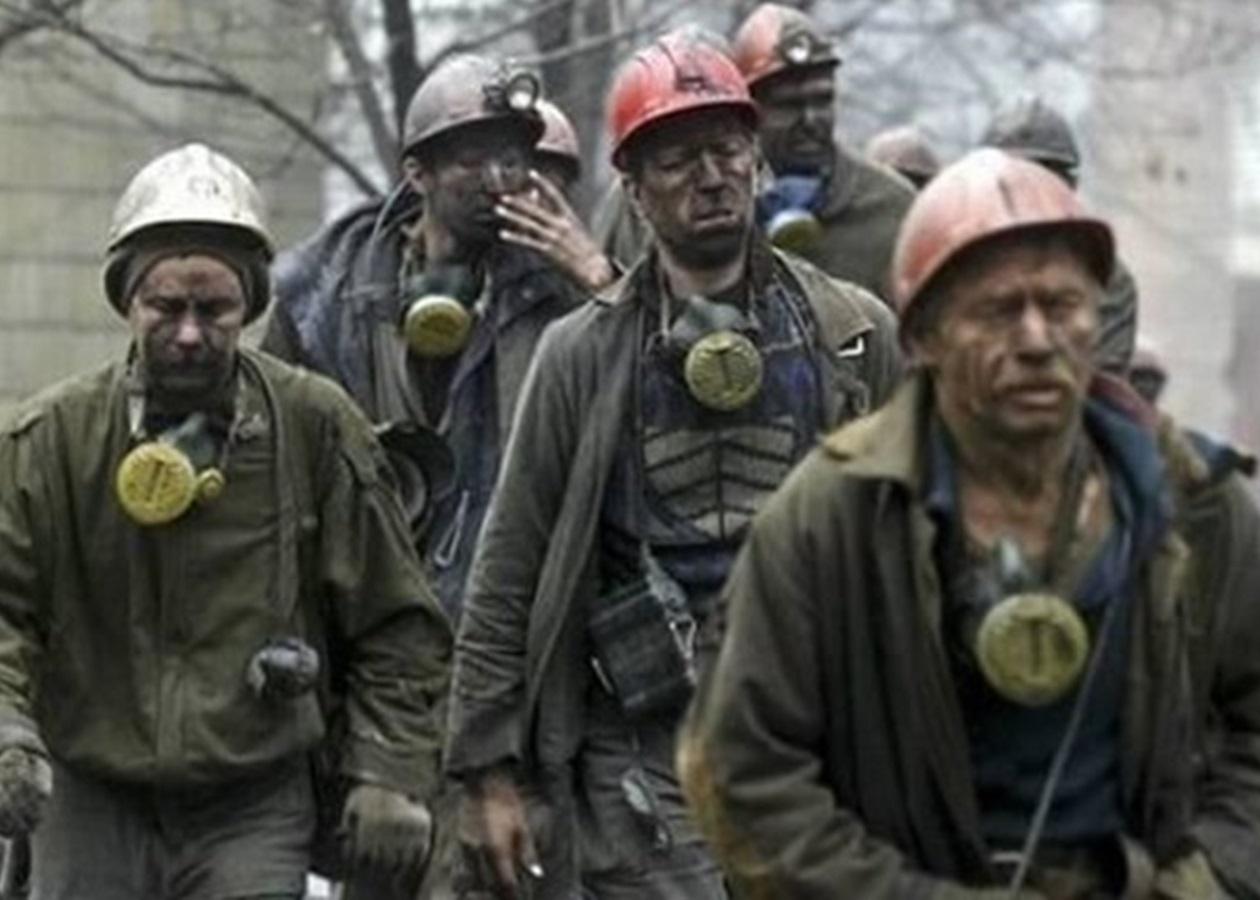"""В """"ЛНР"""" после голодных бунтов шахтеры массового начали получать """"письма счастья"""" - соцсети выдали детали"""