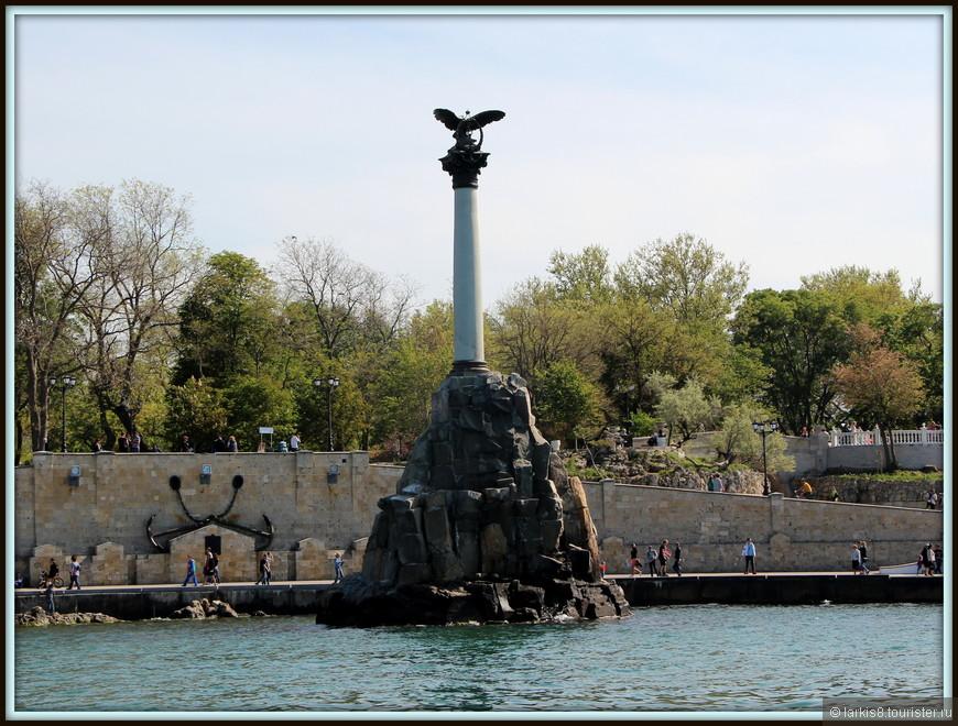 Севастополь, мороженое, общество, Крым, аннексия, Россия, Украина, памятник затонувшим кораблям, соцсети, комментарии