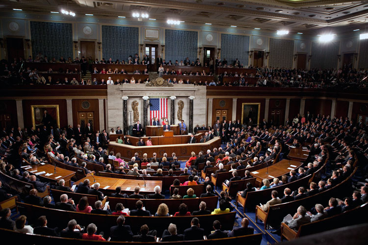 Впервые за всю историю США: сенаторы и конгрессмены подали коллективный иск против Трампа