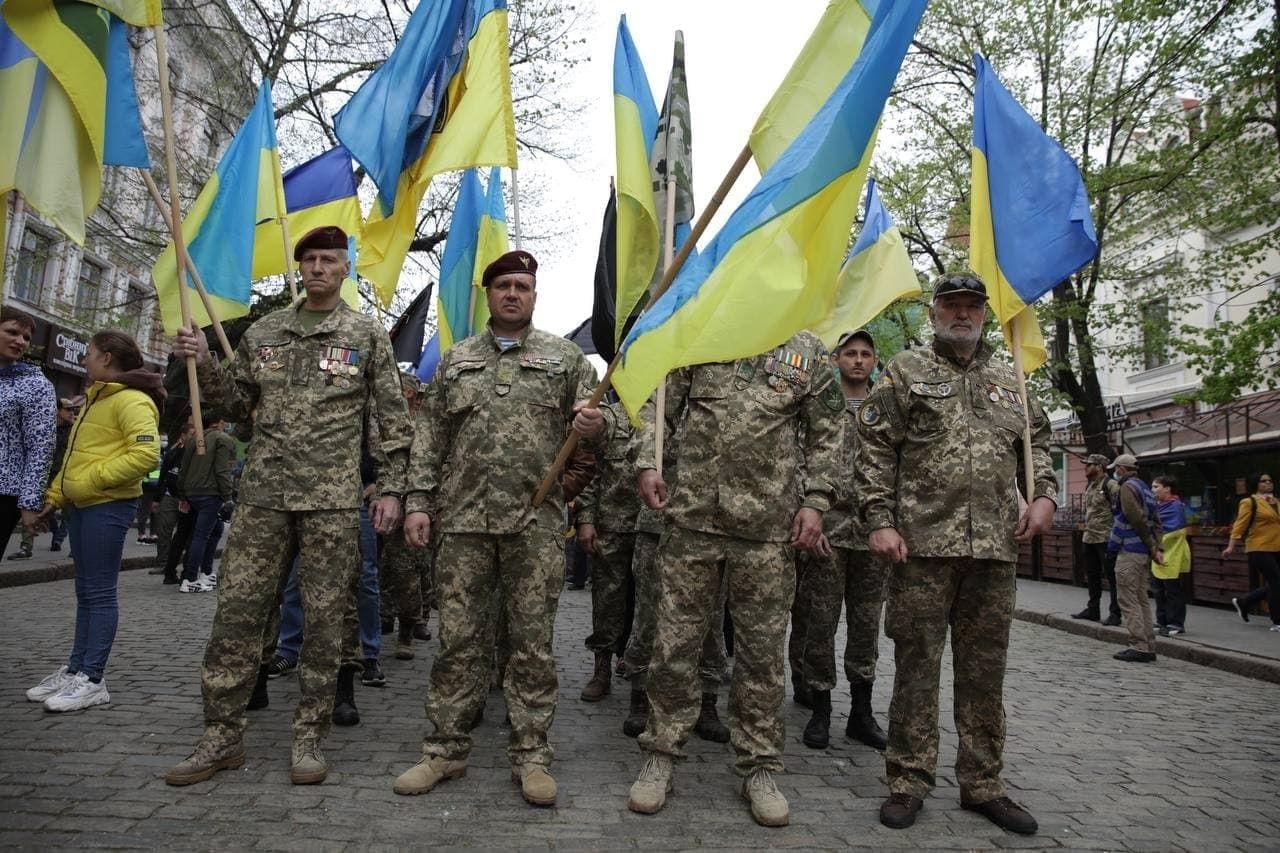 """Многотысячный марш патриотов в Одессе возмутил росСМИ: """"Повсюду флаги и символика Украины!"""""""