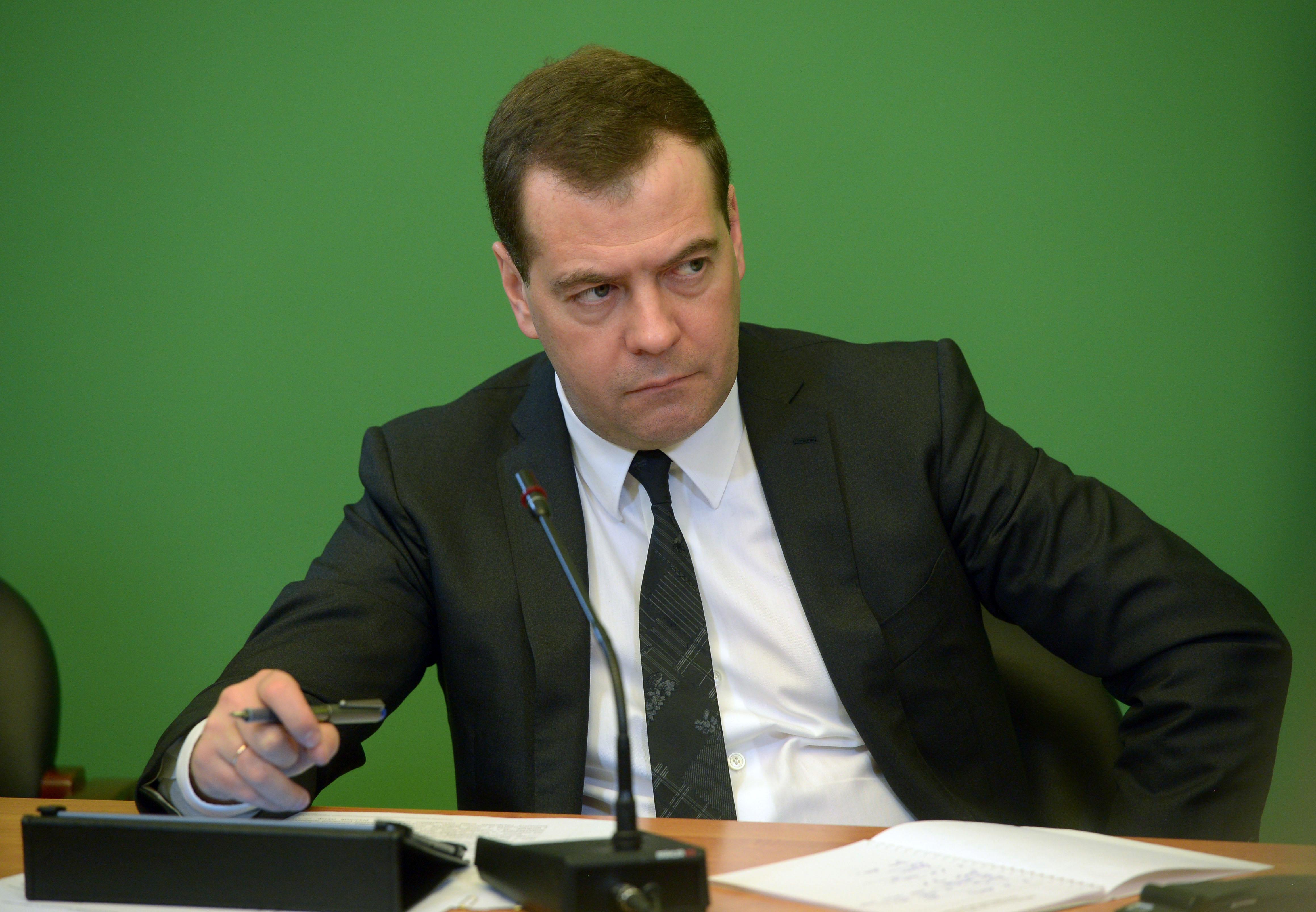 Медведев опомнился после своего провала в оккупированном Крыму: премьер намерен лично решить вопросы населения полуострова