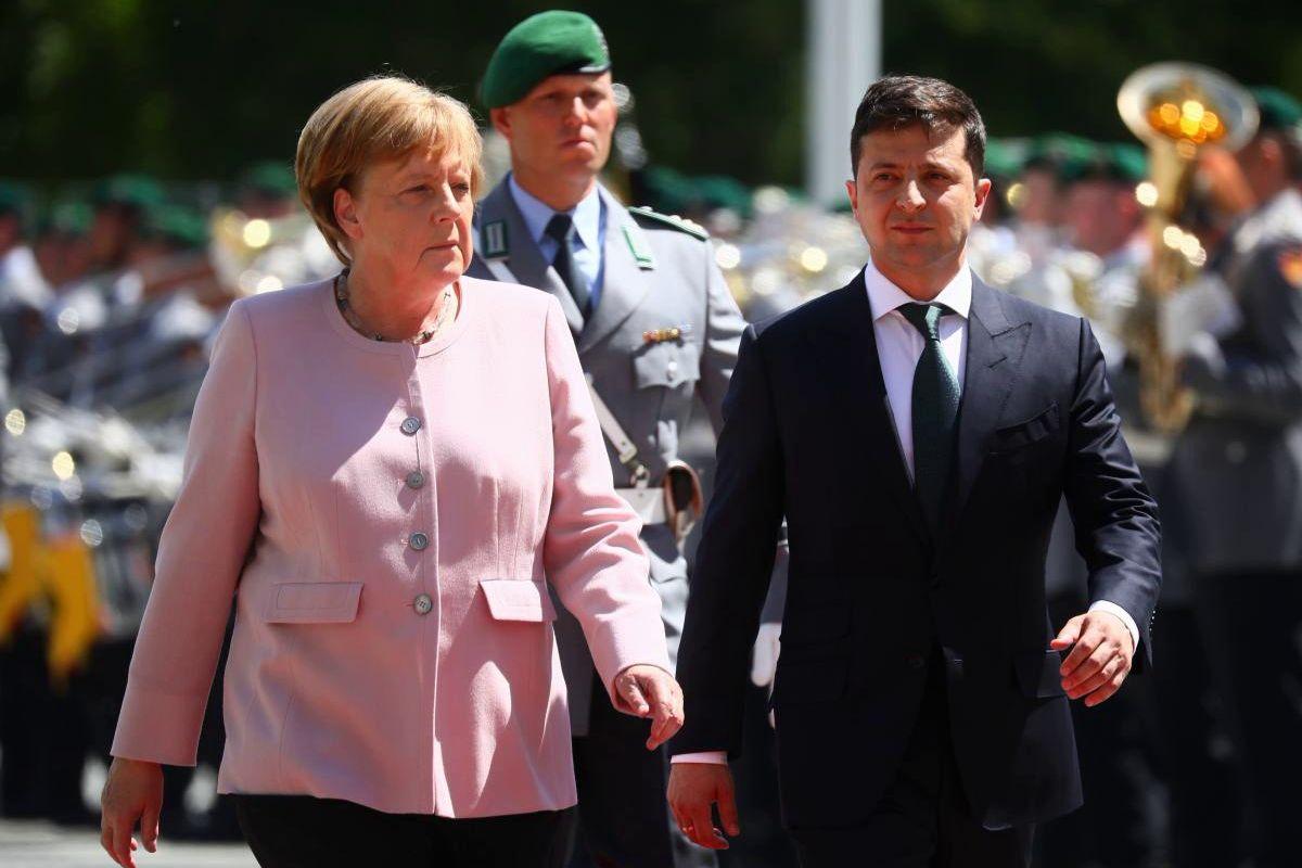 Меркель после Путина позвонила Зеленскому - президент Украины скоро летит в Берлин
