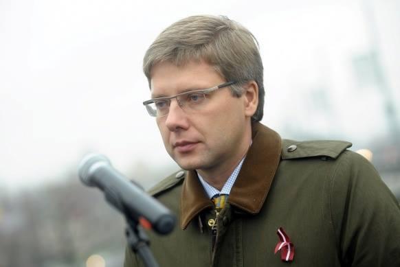 Рижский мэр-путинофил Ушаков сразил картинкой оштрафовавшую его госслужбу. Соцсети парировали карикатурой на самого градоначальника