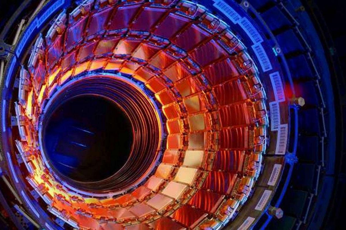 Дважды очарованный тетракварк: ученые CERN открыли новую частицу на адронном коллайдере