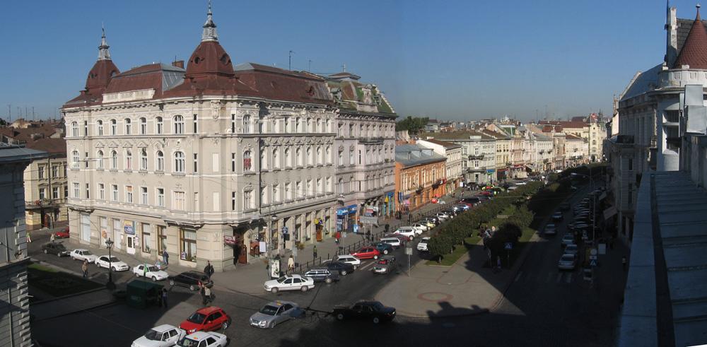 В центре Львова заминировали отель