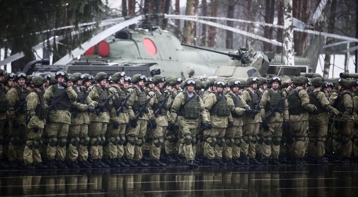 Группа российских военных срочно вылетает в Кыргызстан: озвучены причины