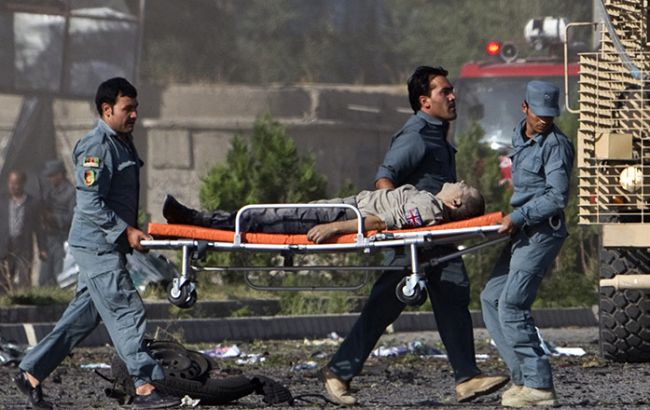 """Дал """"ответ"""" людям: террорист-смертник из Афганистана взорвал себя в толпе демонстрантов - есть жертвы"""