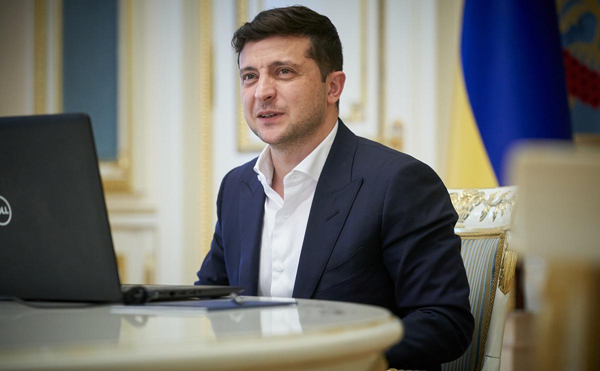 """""""45% не одобряют действия Зеленского на посту президента"""", - опрос КМИС"""