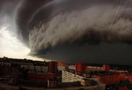 Россия замерла в ожидании Армагеддона: в МЧС посоветовал россиянам готовиться к природным катаклизмам