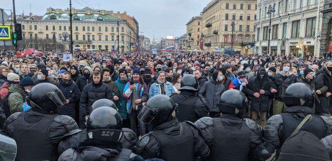 Путин проиграл Навальному на своей родине: в Санкт-Петербурге 50 тысяч человек вышли поддержать оппозиционера