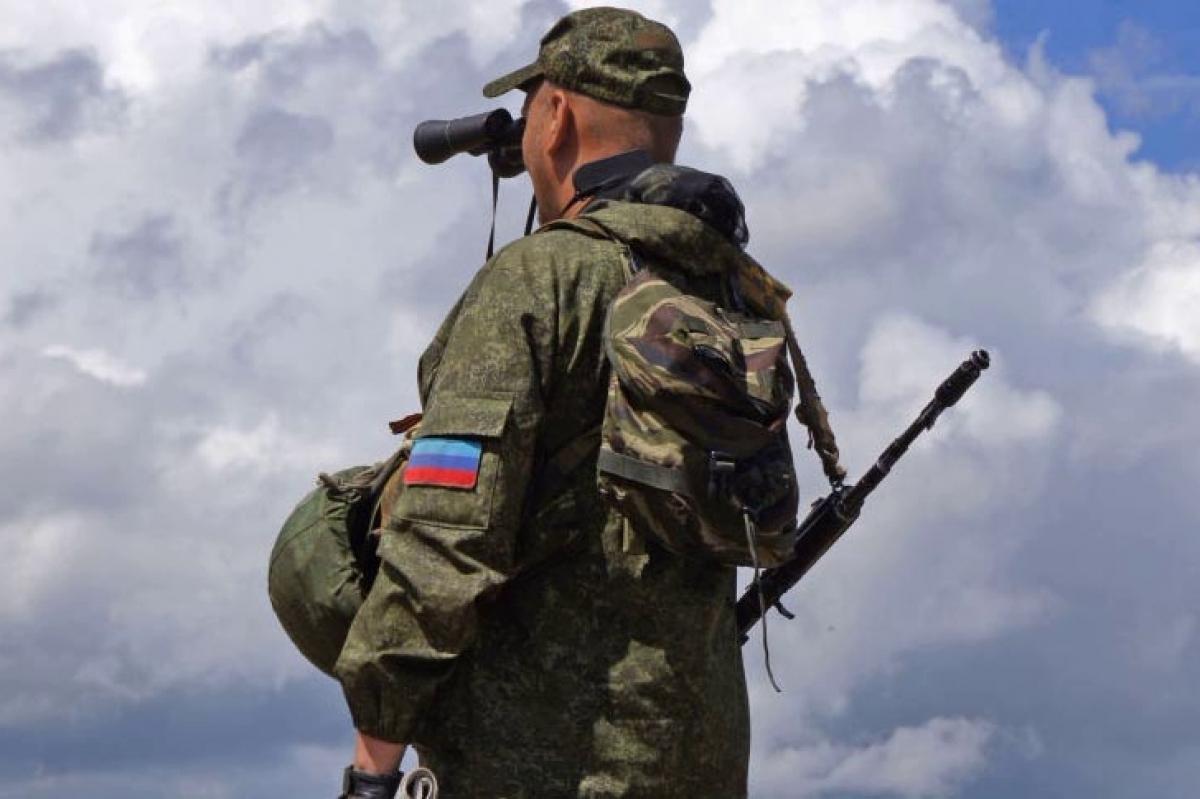 """В """"ЛНР"""" сообщили о первых потерях с начала перемирия - на позиции прогремели три взрыва"""
