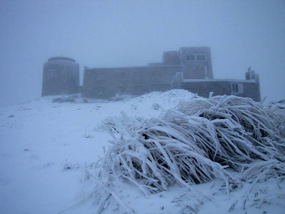 Карпаты засыпает снегопад, погода в горах ухудшается – метеорологи