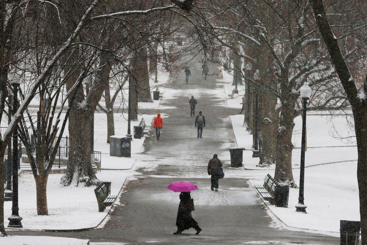 Погода в Украине пока не улучшится: появился прогноз на ближайшие дни – будут туманы и дожди