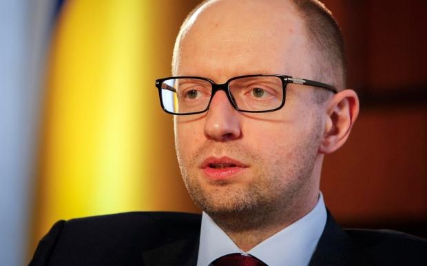 """Яценюк ищет возможность удешевления проекта """"Стена"""" на границе с РФ"""