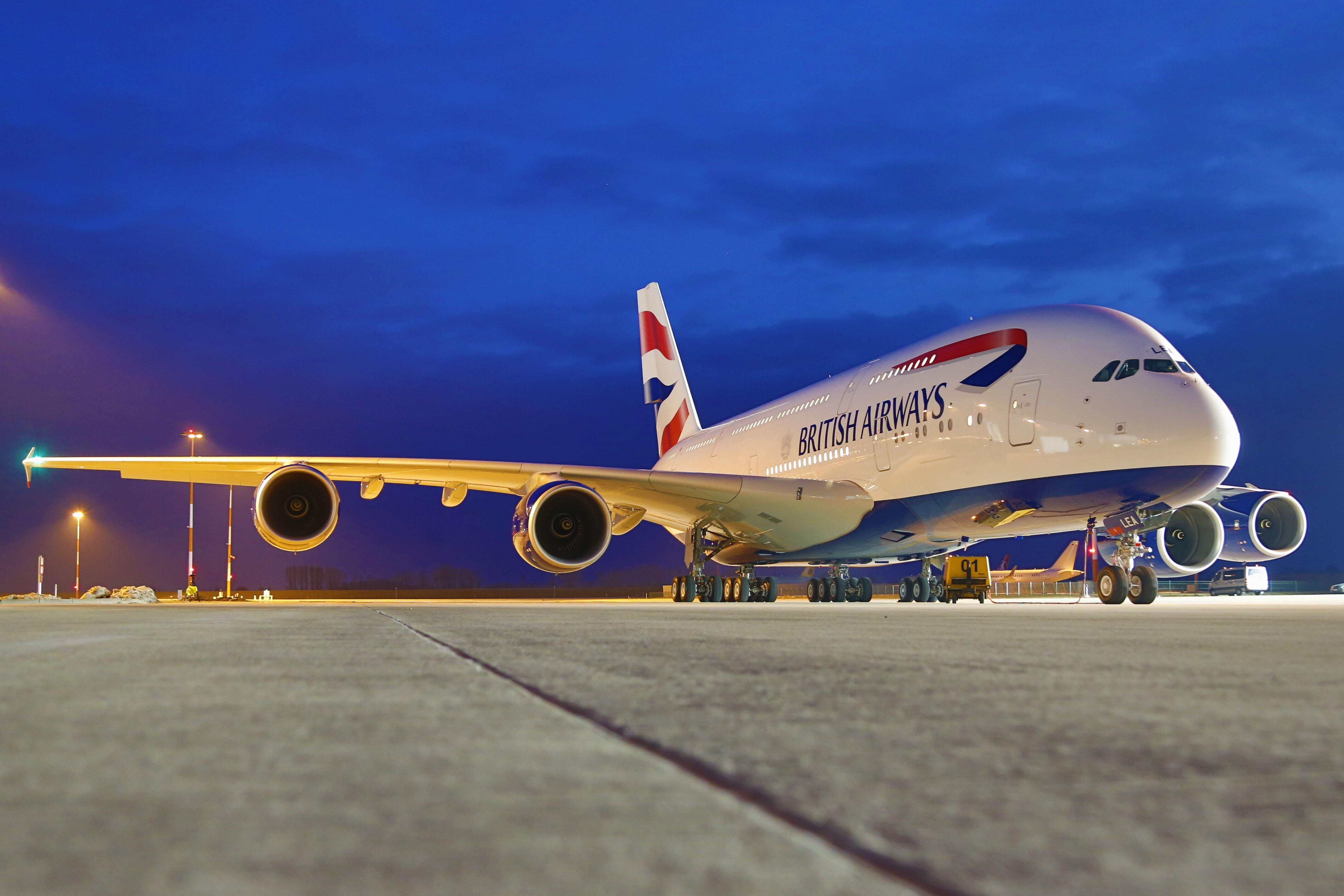 Страшная катастрофа в Великобритании: беспилотник врезался в самолет со 132 пассажирами на борту