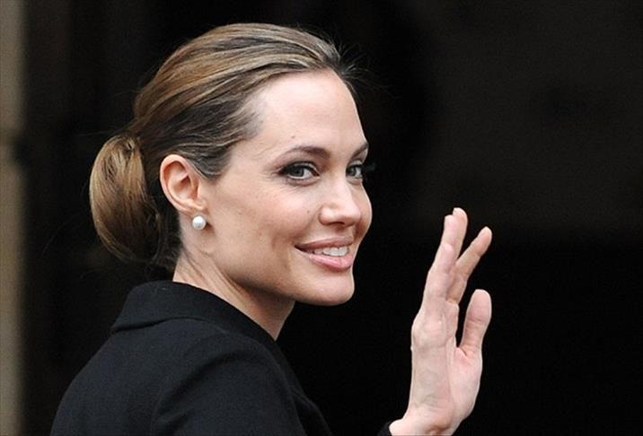 Анджелина Джоли показала подросших дочерей Шайло и Захару