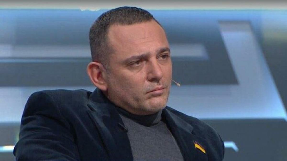 """""""Обмазанный маслом и в компании мужчин"""": появилось фото, чем Бужанский занимался в молодости"""