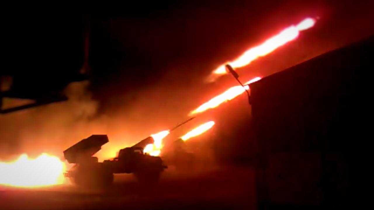 """Обстрел Новолуганского из """"Градов"""" велся из Горловки: местные жители в панике, объявлена эвакуация - кадры"""
