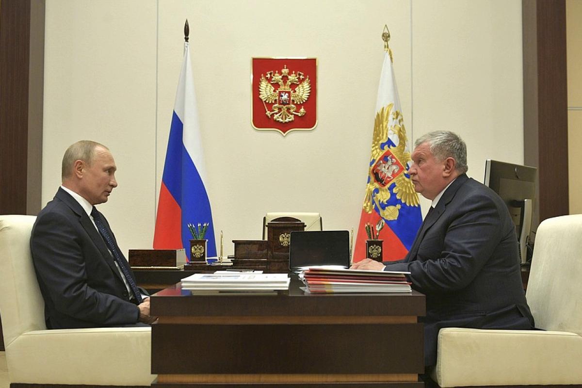 """Сечин пришел к Путину с тремя дорогостоящими просьбами: """"У нас драматическое состояние"""""""